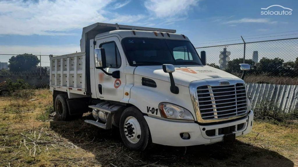 Sube 30% compra de camiones usados