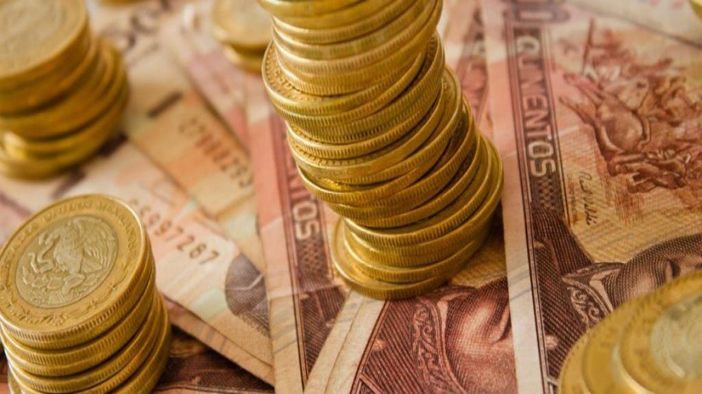 Ingresos presupuestarios caen 10.3% en agosto
