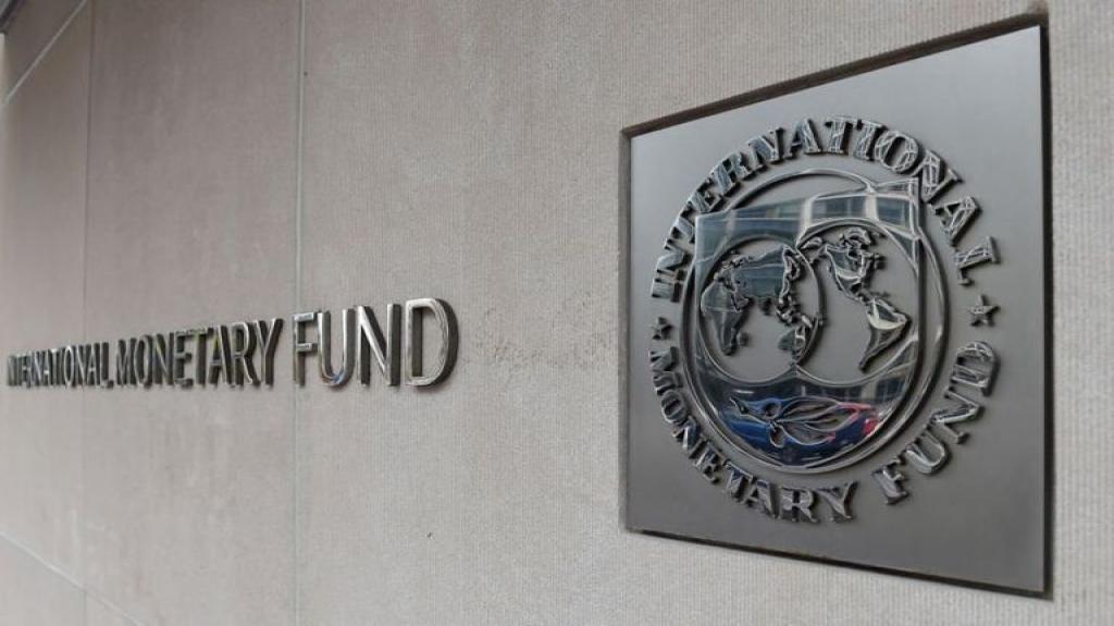 FMI recorta su pronóstico de crecimiento para México